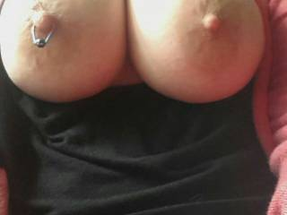 stunning big, firm, tits excellent crinkly skinned areola and nipples I'd love to suck....