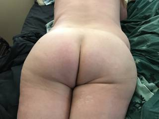 Wife's ass waits for your load