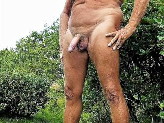 Love to be naked outdoor.
