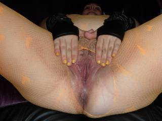 Stunning! Love to eat my cum from you hot pussy!