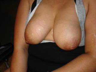 Perfect tits! Would love to mess up your sexy tits with my hot cock juice too!