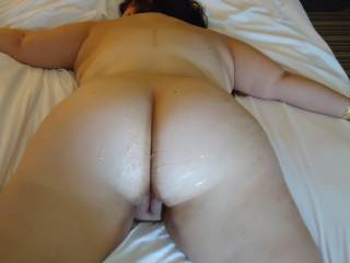 it's a very sexy butt iwould like to cum on it 2 !!!!