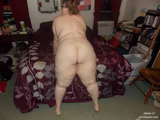 WOW what an incredible ass DEFINITELY made for spanking and fucking in the position she is in are you READY??