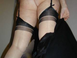 Hot ,sexy ass and sexy nylons too,WOW