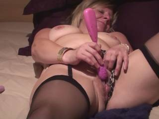 mmmm, what a fun sexed up girl..xxx Awesome pic.I loven to watch a sexy girl playing..xxxxMind if i join in the fun.xxxx
