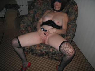 how about 1 26yo black and 1 white 26yo 3some let me no i will b in jersey the nov 29