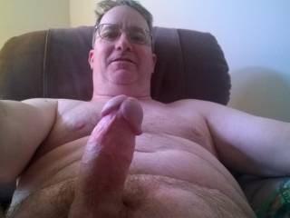 I let my friends take naked pics of me exposing my dick and face