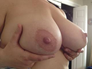 Do you like my wife\'s natural tits?
