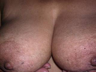 Nice tits. Love to chat with a hot horny mature woman who still enjoys making her pussy wet and swollen ready for a big cock.  Mmmmmmmm