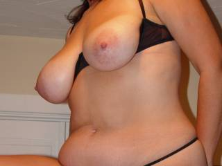 dam i love that body great natural tits awesome hips and a sexy tummy   i'll be jacking off to this one alot