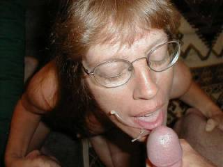 mmmm great shot...perfect timeing to catch the cum flying..well done