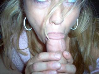 i'd luv 2 feel your sweet hot lips around my hard cock!!!!