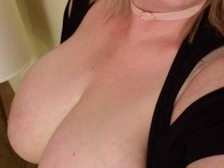 Wanna play with me, cum on.