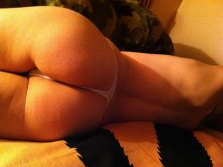 mmm amazingly sexy round, firm ass, hope to see more from you soon!