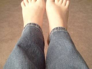 I think she get the most-beautiful-feet award 😍