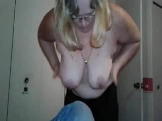 Gotta love bouncing big floppy tits