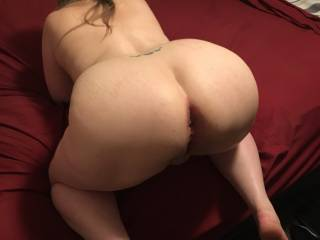 Butt slut posed and ready for more anal. It's easy for her
