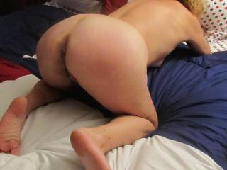 ooooo fuk yeah..... great ass would love to grab you by your sexy hips pull you onto my cock and fuck that hot pussy from behind