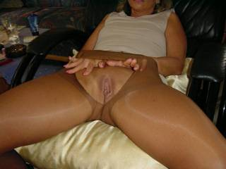 Ripping her pantyhose , getting ready for a good fucking