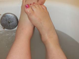 mmmm yeah especially if you let me cum on those toes