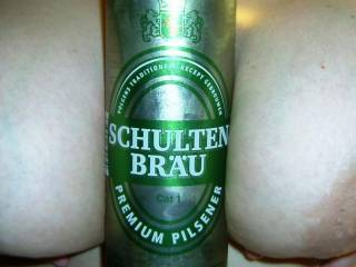 Mmmmmmm...cold beer and big beautiful tits, two of my favorite things!