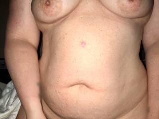 Love her sexy body...