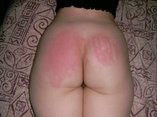 wife\'s spanked arse - see the hand print, I think it suits her!