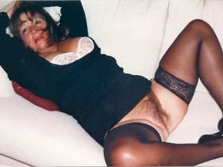 mmmmmmmmmmmmm i would love to eat her hairy pussy till she cums all over my face