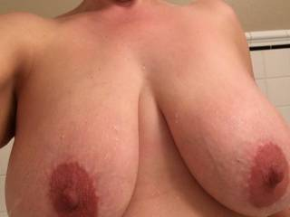 Wife fresh out of the shower and ready to get dirty