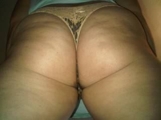 Another up shot of my juicy perky tight young ass u guys like??? Big dick guys comment pleAse : )