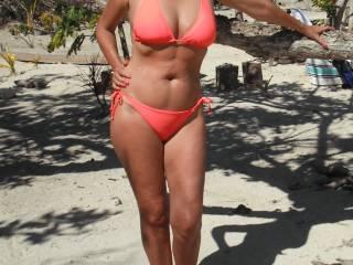 like this pose...find it sexy in bikini
