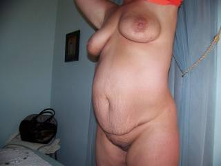 I wouldlove to fuck her barebacck and cum deep inside her , would be nice to make her pregnant for you