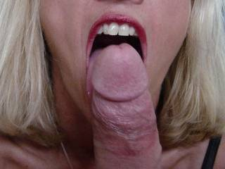thats a great close-up and really nice mouth going on that cock....Id luv to give you more practice on a dick. I'd luv to stunt-cock. i have excellent referrences