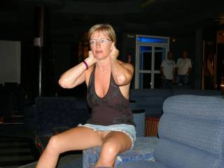 Another very hot commando flashing shot. Wish I had been there to eat you after...