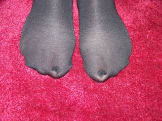 would love to massage your feet and kiss your toes through the nylon for hours on end !!!! keep up the good work !!!!!