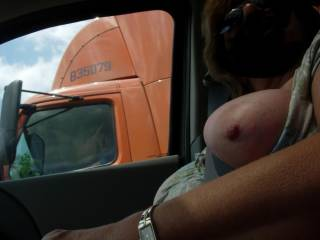 omg i would be stroking my cock looking at you ,,, i love that