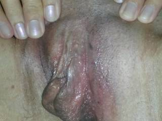 I want to taste that sweet pussy!!