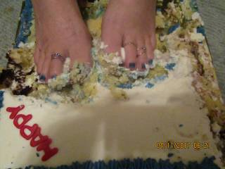 sexy toes in cake