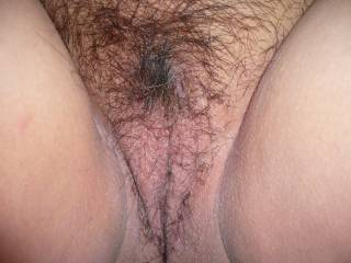 I love a nice hairy pussy, and that looks so good