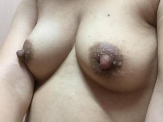 What gorgeous tits. Only thing wrong is that my tongue should be licking rose lovely nipples. Message me?