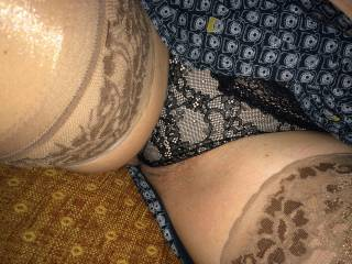 love the way your nylons frame your pussy