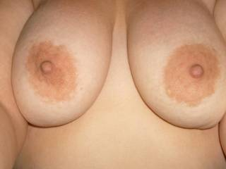 nice Tits babe! looks like they need some attention! I'm here to give a helping hand !