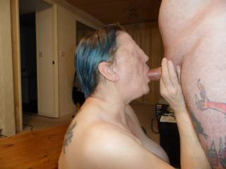 hi all every now and then it is so horny to suck hubby deep  dirty comments welcome mature couple