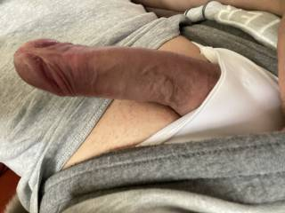 Horny. Please let me feel your lips 💋