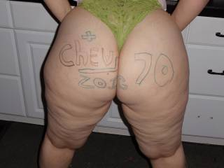 DAAAAAAAAAAAAAAMMMMMMMMMMMMNNNN the cellulite and that thong got my dick ROCK HARD. Thax for the awesome pics.