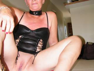 SOO sexy i realy dream about to be dominated by you and your sexslave in an amazing kinky mowie  !! Thanks from slave Lee