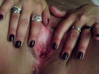 Mmm and look at how sexy you are...love to get my tongue licking and my lips kissing your lovely wet open pussy,tasting you and driving you wild...gutted I'm in a different country X