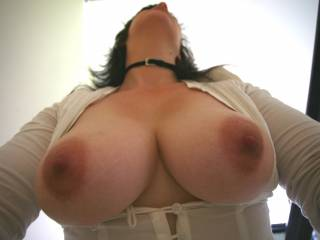 Love to feel my tits swinging when my lover fucks my from behind. SHould we make a vid of them swinging?