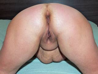 Hungry for dick... Who wants to put his cock in?