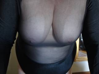 I\'m in my nylon and so is my wife. I\'m going to cum all over those beautiful tits ... would love to see your tributes as well.